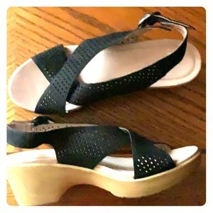 New Dansko black wedge sandals size 41 (10.5-11)